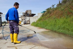 Are You in the Market for a Commercial Pressure Washer? Consider This Buying Guide